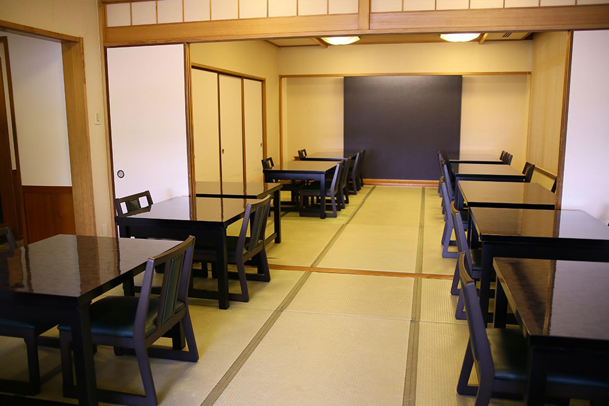 和室(大門の間)